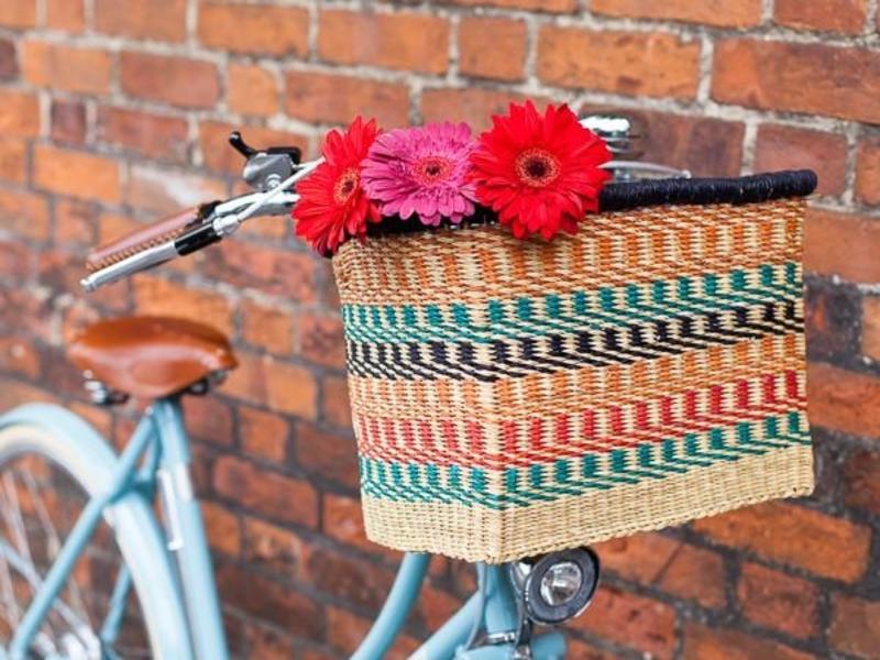 Plastic-free woven bike basket