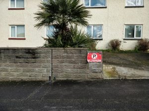 No parking sign outside homes on Mynachdy Road
